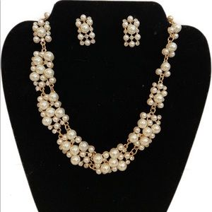2/$20🛍️ 3pc Imitation Pearls Jewelry set